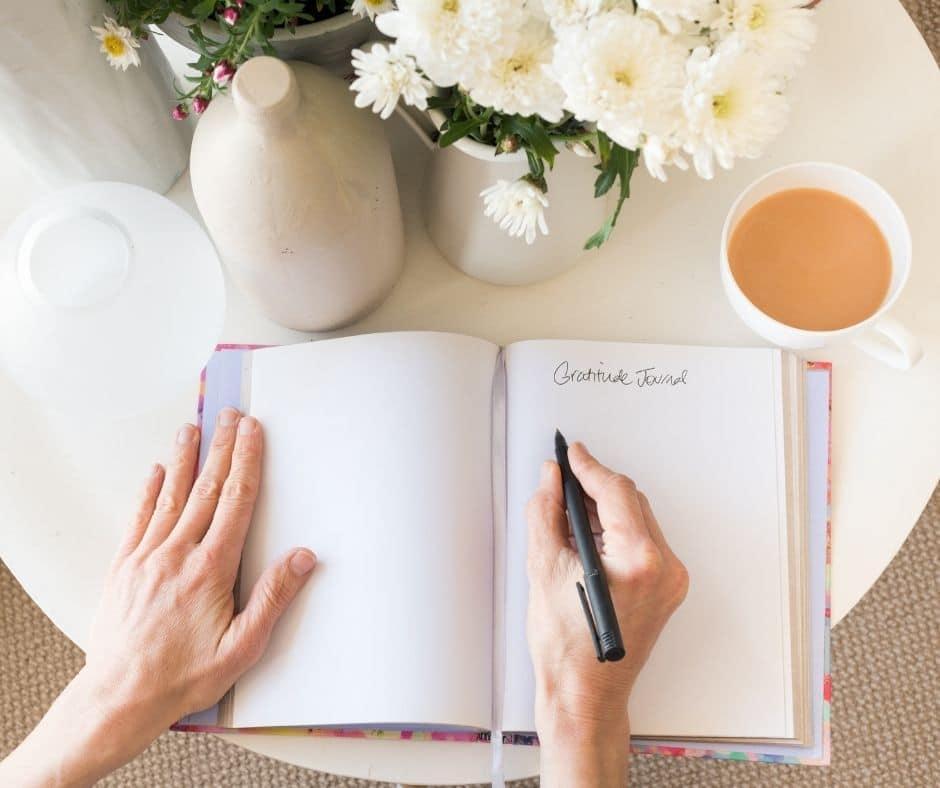 10 simple ways to practice gratitude every day