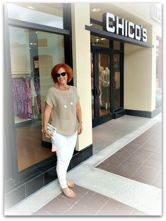 Candi at Chicos storefront
