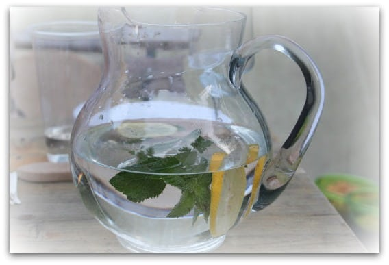 drink water as part of a healthy eating plan