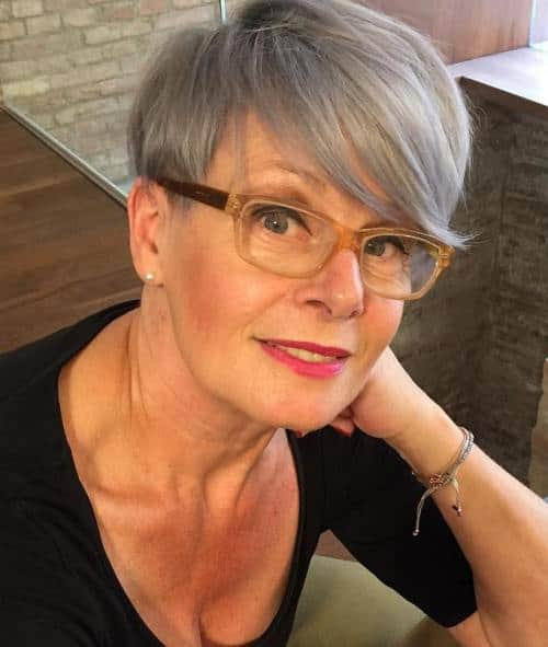 short, fresh hairstyle for women over 60