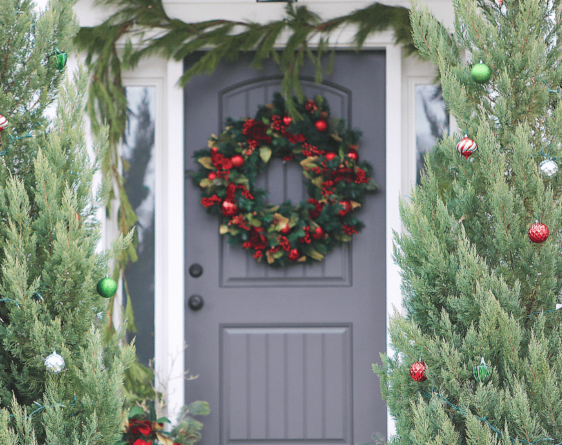 Christmas wreath and holiday decor ideas